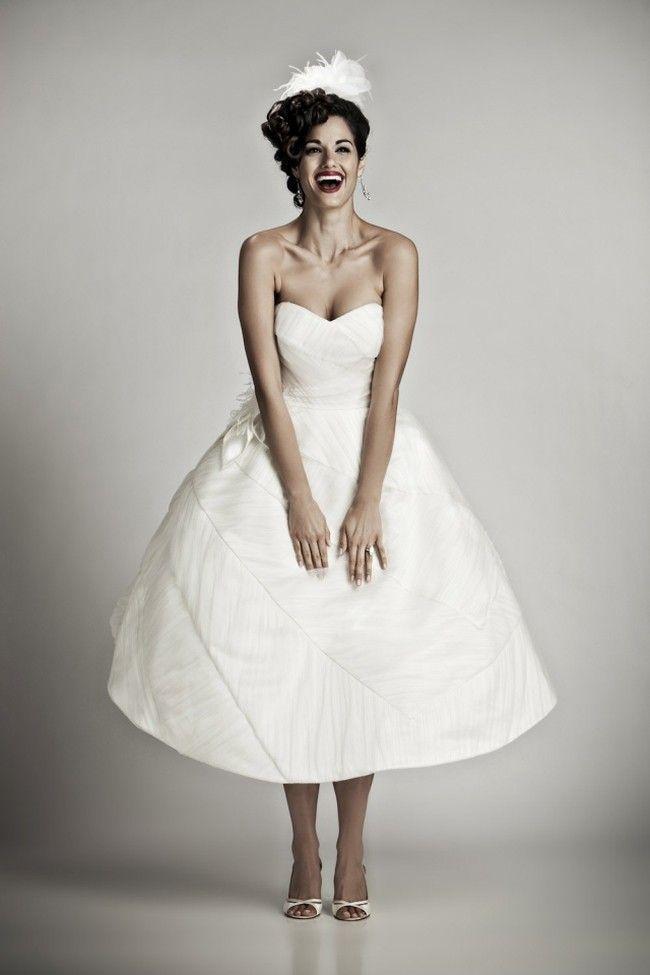 fe9f2d911a1f ... diversi abiti da sposa corti per scegliere il modello. Qualunque sia il  vostro stile