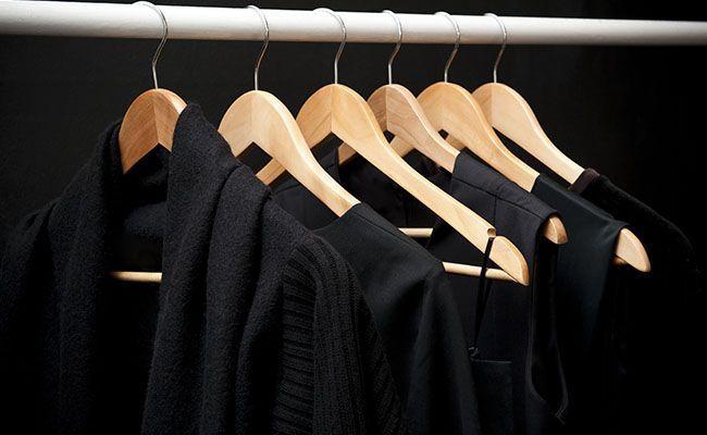 79d822988 Como lavar roupa preta sem perder a cor - Dicas de Mulher