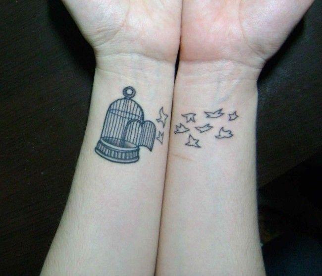 Resultado de imagem para tatuagem feminina delicada