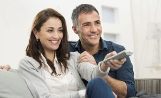 Vantagens de se relacionar com homens mais velhos