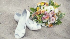 Sandálias de noiva para casamento na praia ou no campo: como escolher?