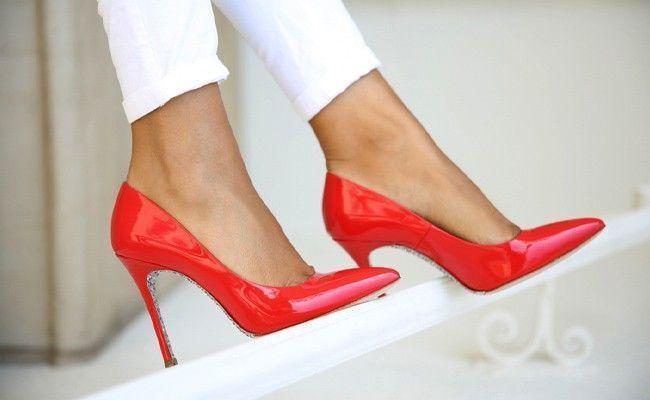 976b18aba6 Sapato vermelho  como usar essa cor em um look poderoso (fotos)