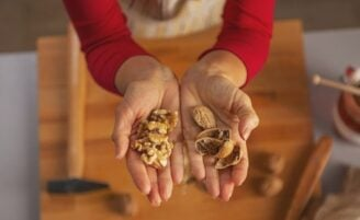 Nozes: conheça seus benefícios e aprenda a incluí-las em receitas