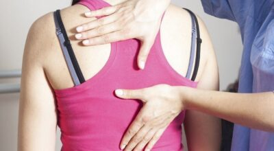 Quiropraxia: conheça as vantagens e as desvantagens da terapia