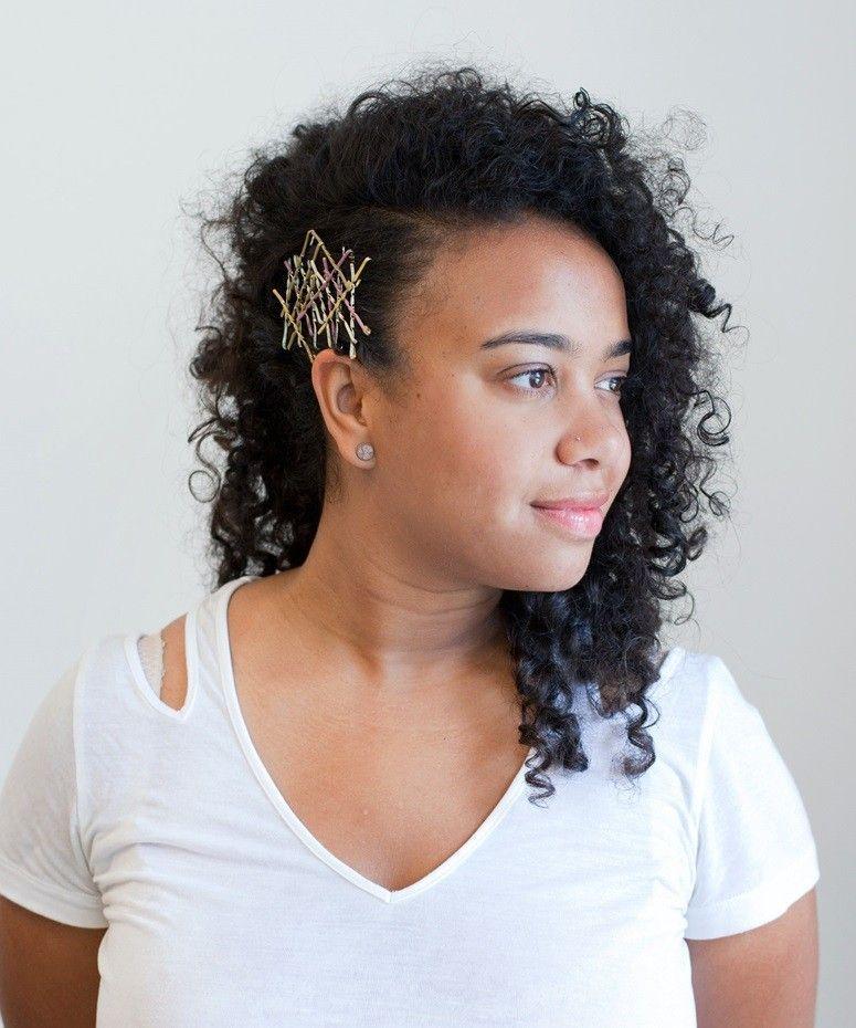 Os grampos de cabelo ganharam uma nova leitura e voltaram a ser trend!