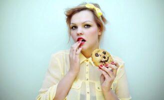 5 sinais de que você está viciada em doces