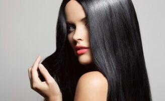 Alisamento caseiro: 7 receitas práticas para alisar seu cabelo em casa
