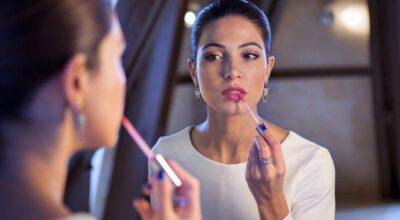 Como combinar a maquiagem com a roupa