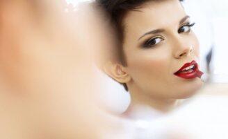 Cursos de maquiagem online: 6 opções para se profissionalizar em casa