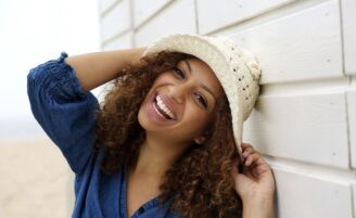 10 situações que só quem tem cabelo cacheado entende