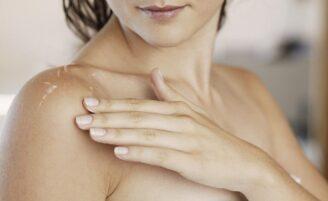 Entenda como o Vitacid Plus age contra as manchas na pele