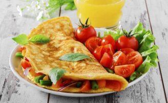 20 receitas de omelete para enriquecer seu cardápio