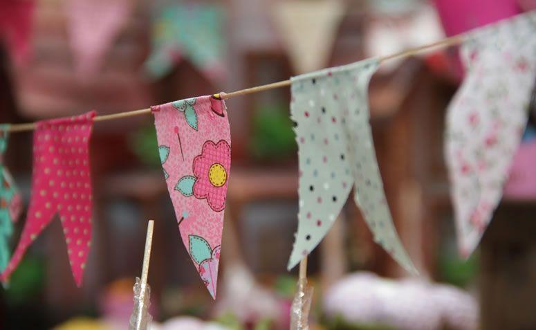 Decoraç u00e3o para festa junina dicas e tutoriais para um arraiá charmoso -> Como Decorar Um Teto Com Tnt