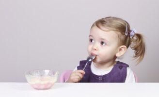 13 alimentos que crianças de até dois anos não devem ingerir