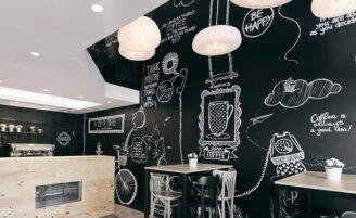 Parede de lousa é ideal para decorar com estilo e funcionalidade