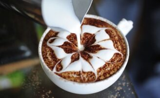 45 receitas de bebidas quentes deliciosas para te aquecer