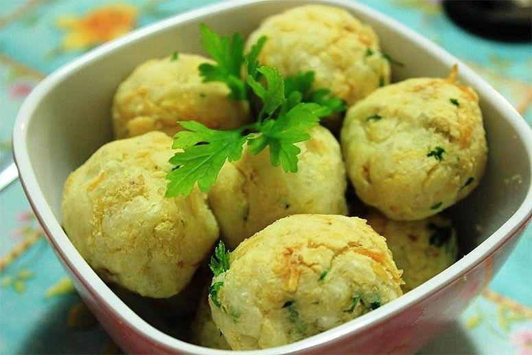 Bolinhas de mandioca com frango. Foto: Reprodução / Panelinha Saudável