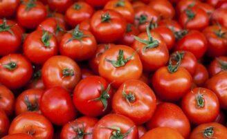 10 alimentos mais contaminados com o uso de agrotóxicos