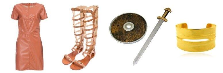 Vestido de couro por R$169,90 na Amaro | Sandália gladiadora Schutz por R$590 na Oqvestir | Espada e escudo por R$29,90 na Abrakadabra | Bracelete dourado por R$19,90 na Bijoulux