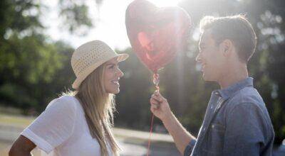 12 vídeos fofos e românticos que celebram o amor de casais