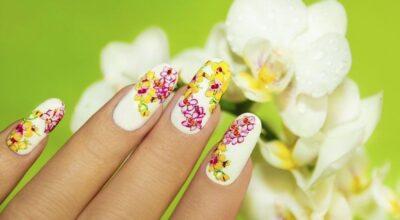 Adesivo de unha: opção prática para quem gosta de variar a nail art