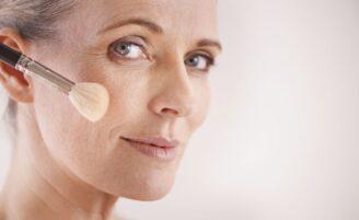 Maquiagem para pele madura: ideias, dicas e fotos para inspirar