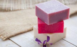 Sabonete artesanal: dicas e receitas para fazer em casa
