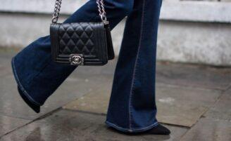 Calça flare: ideal para criar looks fashionistas descomplicados