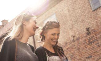 10 maneiras de fazer mais amigos na vida adulta