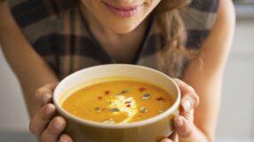 Sopa detox: queime gordura sem muito esforço