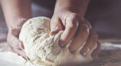 4 receitas de fermento caseiro e como utilizá-lo em pães e bolos