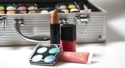 Maleta de maquiagem: como montar um kit completo e profissional