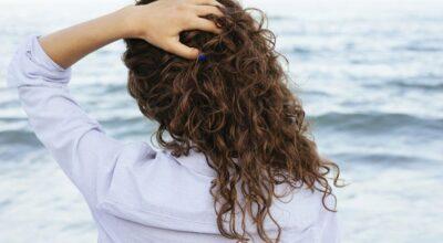 Leave-in: como usar o produto que hidrata e protege o cabelo
