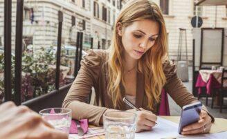 13 hábitos comuns que parecem inofensivos mas podem estar te prejudicando