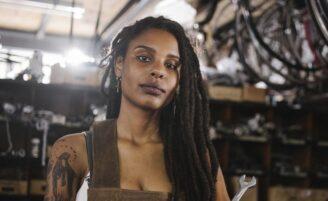 Dreads são referência da cultura rastafari e agregam um visual estiloso e alternativo