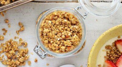 Como fazer sua própria granola caseira em diferentes versões saudáveis