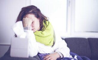 """Aprenda como evitar e tratar a coriza, o incômodo sintoma de """"nariz escorrendo"""""""