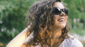 20 inspirações de cortes e estilos para cabelos que não são lisos nem cacheados