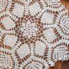 Tapetes de crochê levam a beleza do artesanal à decoração de qualquer ambiente