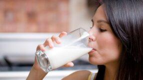 """Dieta do leite: como funciona e quais são os riscos de adotar essa e outras """"dietas da moda"""""""