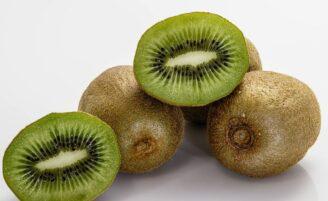 7 bons motivos para incluir kiwi na sua alimentação diária