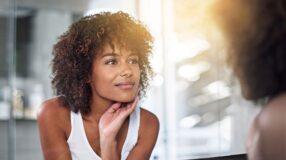 5 remédios caseiros com abacate para cabelos, rosto e estrias