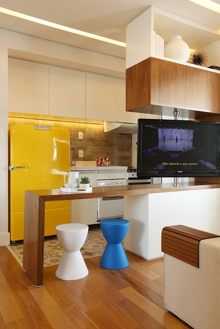 Cozinha Pequena Amarela Cozinha Pequena Com Ilha Amarela Pesquisa