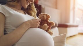 8 coisas surpreendentes que os bebês podem sentir dentro da barriga