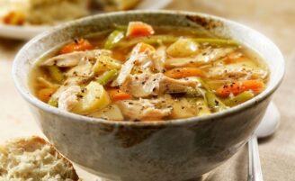 16 receitas de canja de galinha para aquecer e sustentar