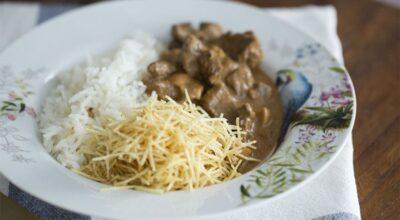 25 receitas variadas de strogonoff para um almoço prático e saboroso