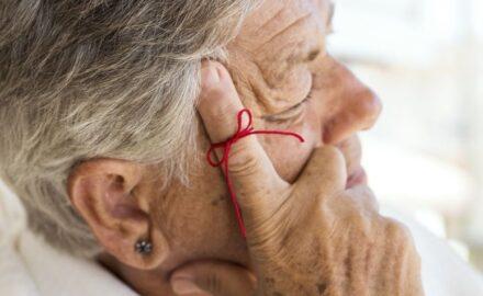 Saiba como funciona o adesivo para Alzheimer do SUS e veja quem tem direito a ele