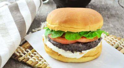 15 receitas de hambúrguer fit para um lanche sem peso na consciência