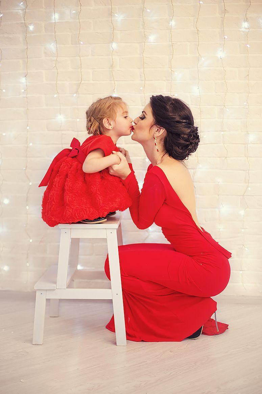 9dd1549672e354 Tal mãe, tal filha: 35 looks de mãe e filha vestidas iguais (fotos)