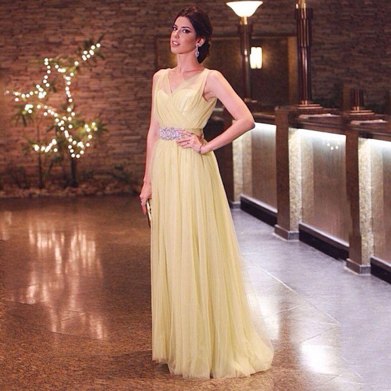Vestido amarelo: como criar looks nada óbvios com essa cor ...